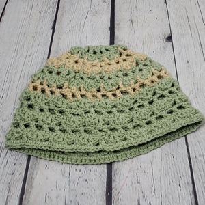 VINTAGE CROCHET HAND MADE BEANIE PEACH & GREEN
